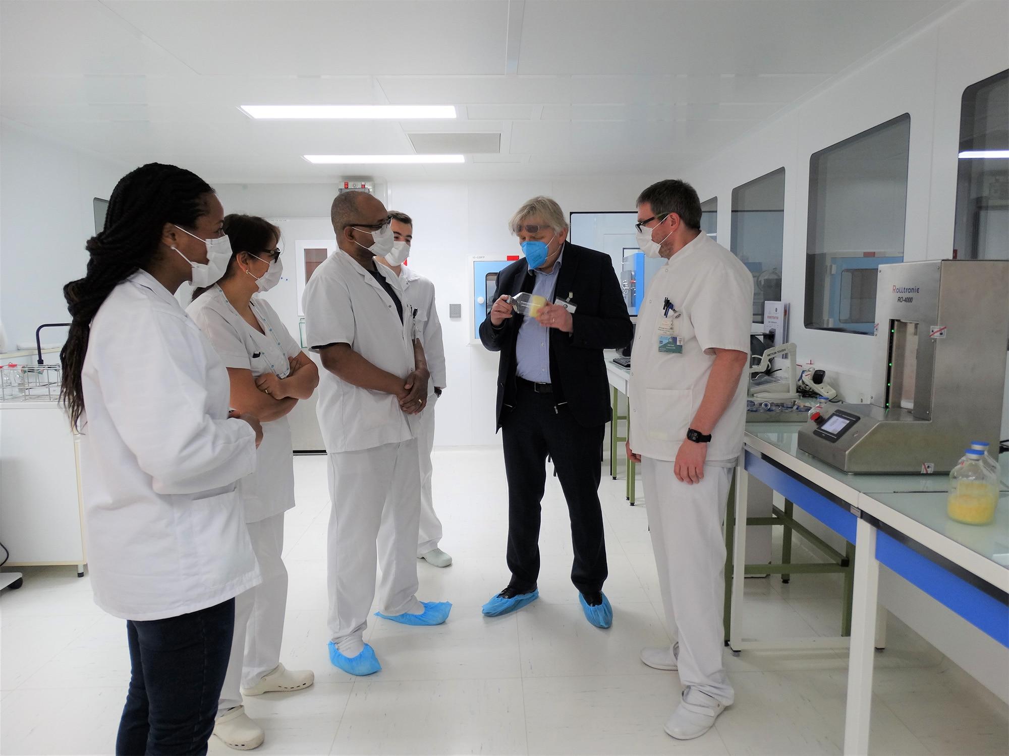 Installation du RO-4000 au Centre de Transfusion Sanguine des Armées (CTSA)